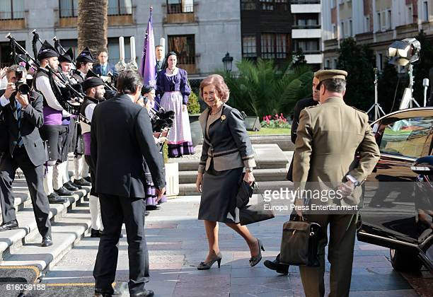 Queen Sofia arrives at Reconquista hotel during the 'Princess of Asturias 2016 Awards on October 21 2016 in Oviedo Spain