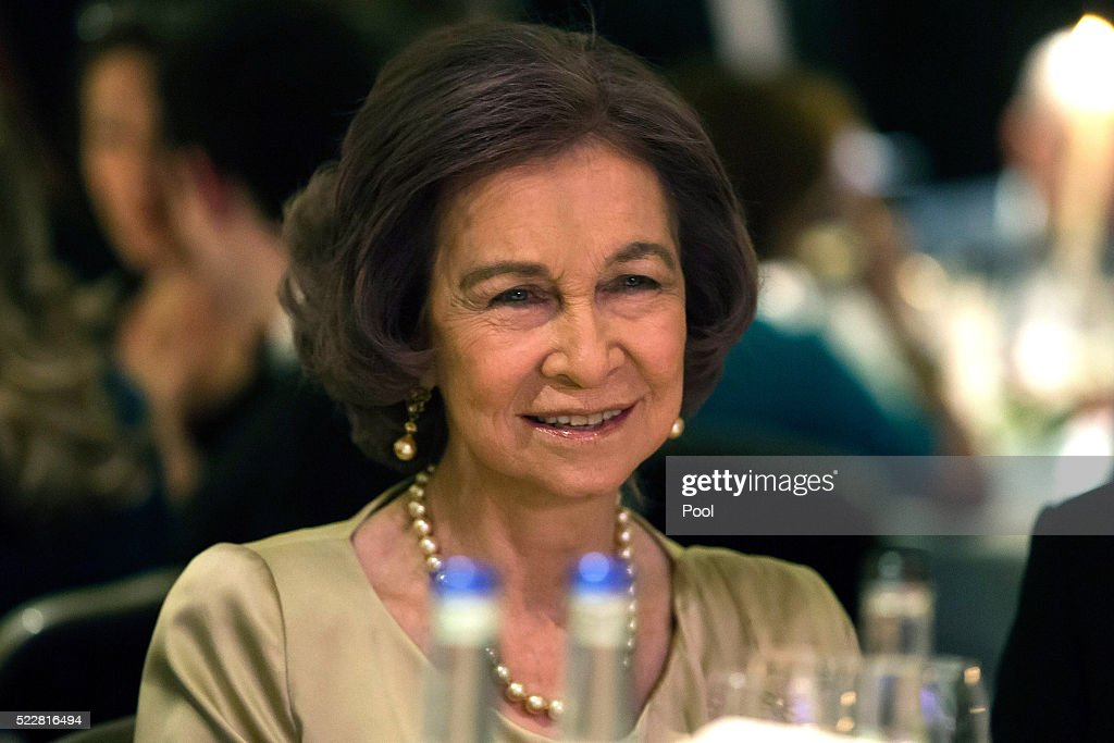 queen-sofia-attends-a-gala-commemorating-the-centenary-of-the-british-picture-id522816494