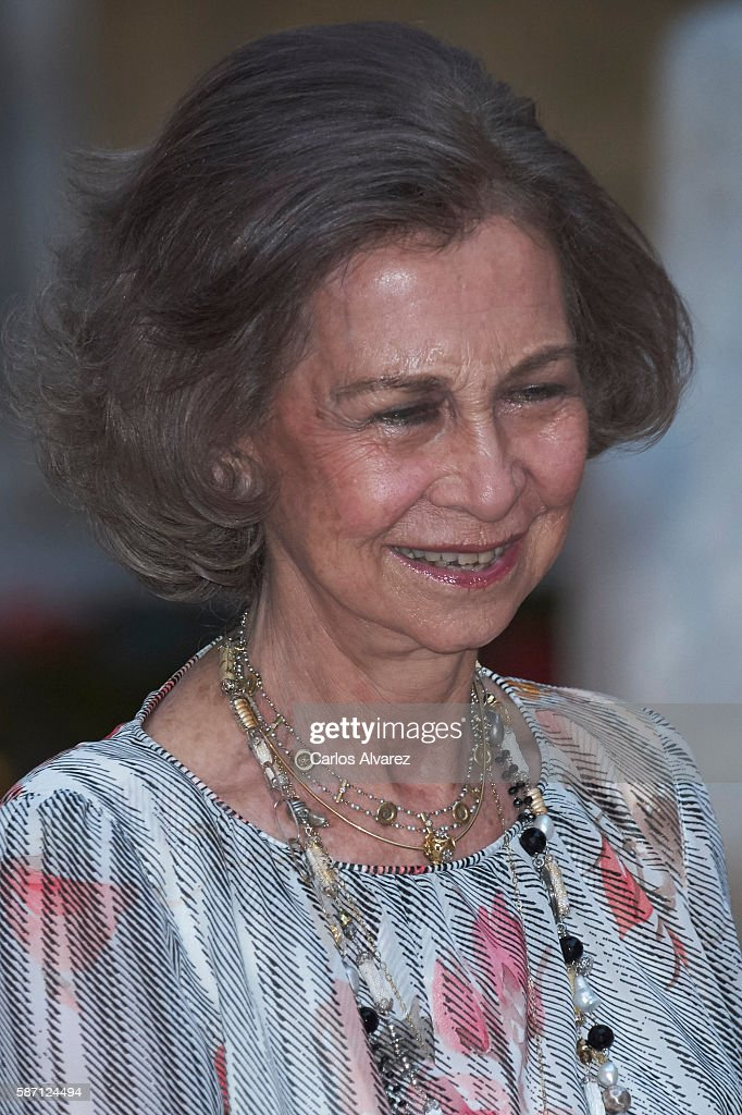 Queen Sofia attends a official reception at the Almudaina Palace on August 7, 2016 in Palma de Mallorca, Spain.