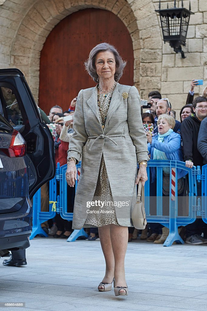 Queen Sofia attends the Easter Mass at the Cathedral of Palma de Mallorca on April 5 2015 in Palma de Mallorca Spain