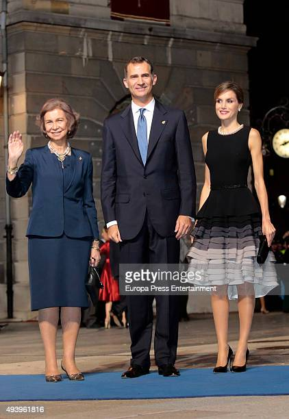 Queen Sofia King Felipe VI of Spain and Queen Letizia of Spain attend the Princess of Asturias Awards 2015 at the Campoamor Theater on October 23...