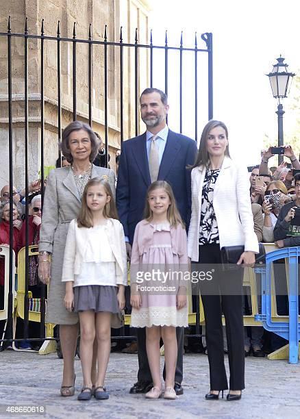 Queen Sofia King Felipe VI of Spain Queen Letizia of Spain Princess Leonor of Spain and Princess Sofia of Spain attend the Easter Mass at the...