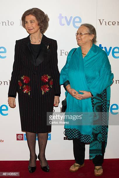 Queen Sofia of Spain and Anne Perry attend the 'Vicente Ferrer' premiere at the Callao cinema on January 8 2014 in Madrid Spain