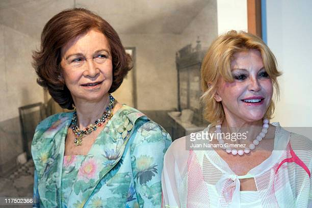 Queen Sofia of Spain and Baroness Carmen Thyssen Bornemisza attend the opening of 'Antonio Lopez' exhibition at ThyssenBornemisza Museum on June 27...