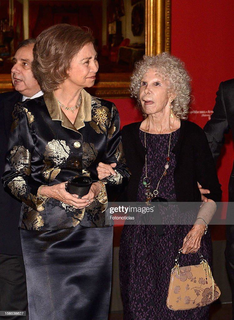 <a gi-track='captionPersonalityLinkClicked' href=/galleries/search?phrase=Queen+Sofia+of+Spain&family=editorial&specificpeople=160333 ng-click='$event.stopPropagation()'>Queen Sofia of Spain</a> (L) and <a gi-track='captionPersonalityLinkClicked' href=/galleries/search?phrase=Cayetana+Fitz-James+Stuart&family=editorial&specificpeople=6090682 ng-click='$event.stopPropagation()'>Cayetana Fitz-James Stuart</a>, Duchess of Alba, attend 'El Legado Casa de Alba' exhibition at the Palacio de Cibeles on December 18, 2012 in Madrid, Spain.