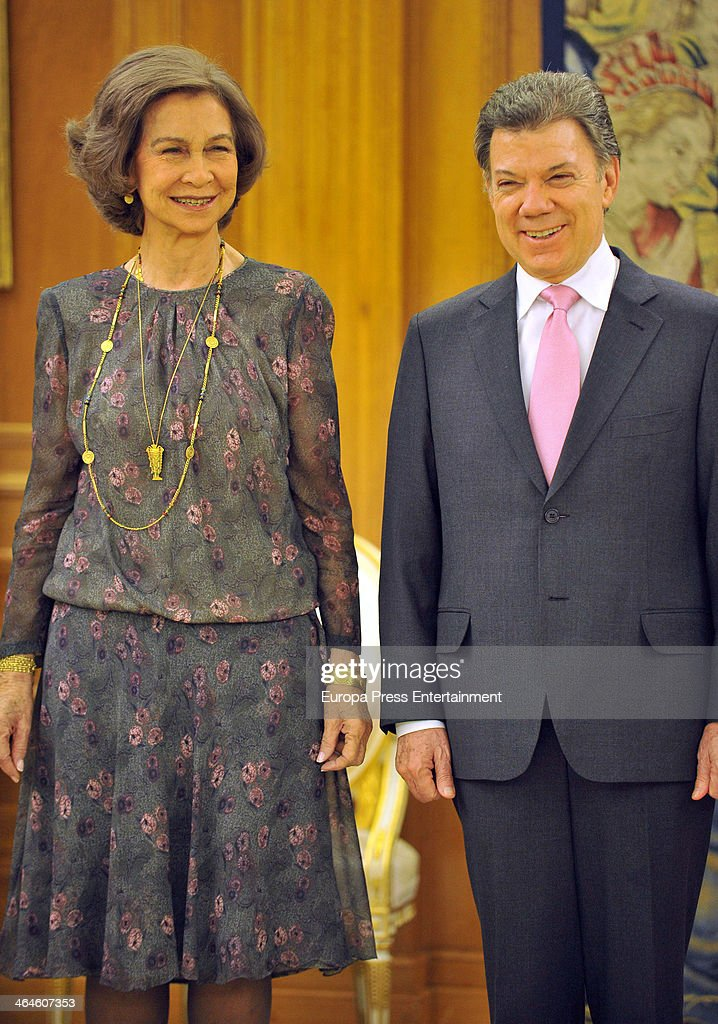 Queen Sofia of Spain and Colombia's President Juan Manuel Santos Calderon at Zarzuela Palace on January 22 2014 in Madrid Spain
