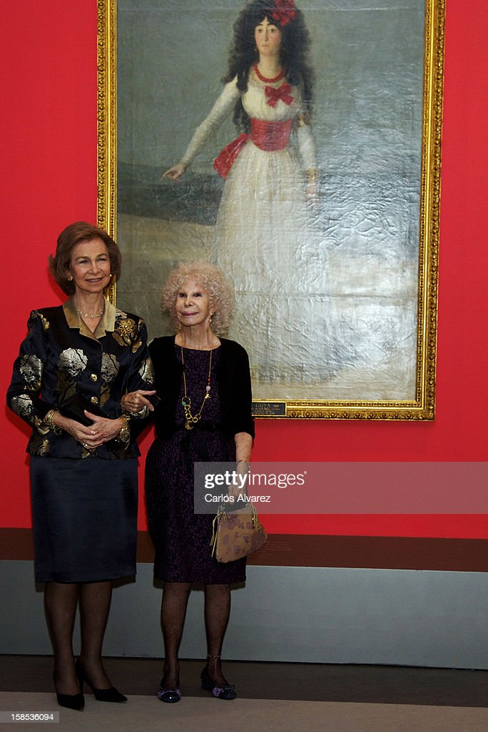 <a gi-track='captionPersonalityLinkClicked' href=/galleries/search?phrase=Queen+Sofia+of+Spain&family=editorial&specificpeople=160333 ng-click='$event.stopPropagation()'>Queen Sofia of Spain</a> (L) and Duchess of Alba, <a gi-track='captionPersonalityLinkClicked' href=/galleries/search?phrase=Cayetana+Fitz-James+Stuart&family=editorial&specificpeople=6090682 ng-click='$event.stopPropagation()'>Cayetana Fitz-James Stuart</a> (R) attend 'El Legado Casa de Alba' Art exhibition at the Palacio de Cibeles on December 18, 2012 in Madrid, Spain.