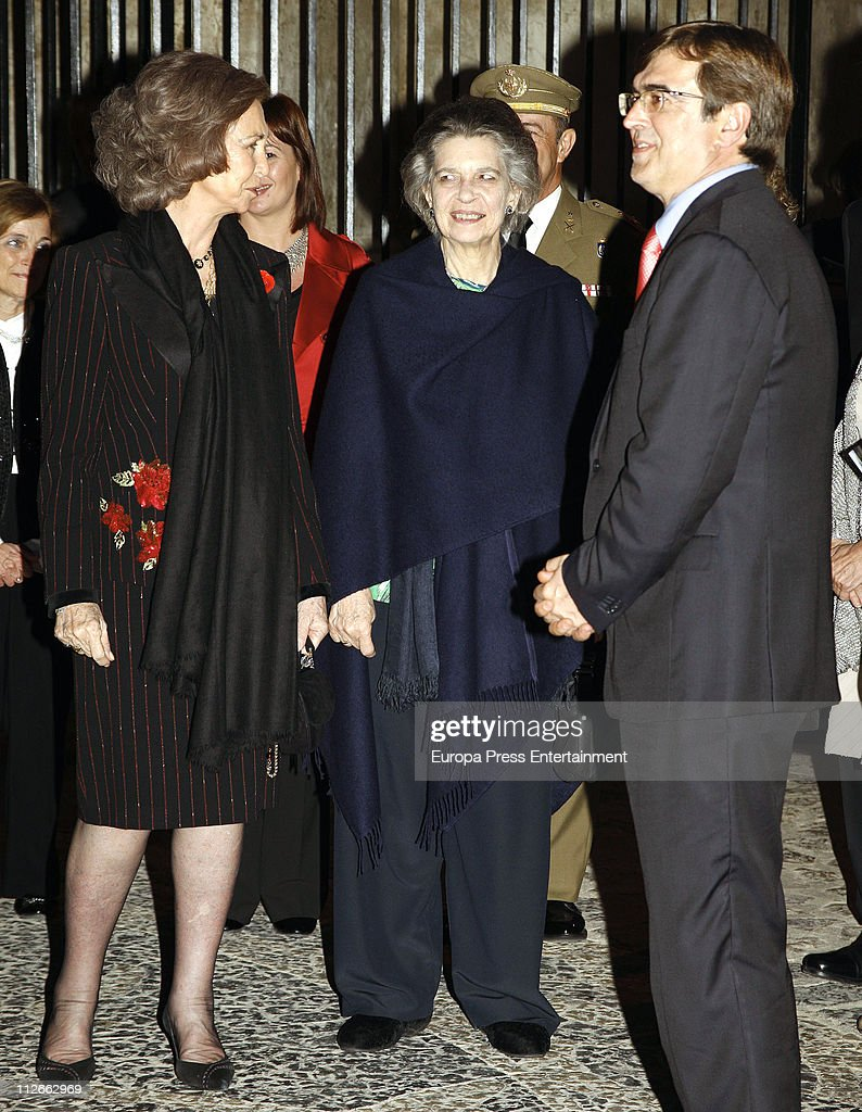 <a gi-track='captionPersonalityLinkClicked' href=/galleries/search?phrase=Queen+Sofia+of+Spain&family=editorial&specificpeople=160333 ng-click='$event.stopPropagation()'>Queen Sofia of Spain</a> and her sister Princess Irene of Greece attend a charity concert to raise funds for 'Proyecto Hombre Baleares' organised by Rotary Club Palma Ramon Llull on April 19, 2011 in Palma de Mallorca, Spain.