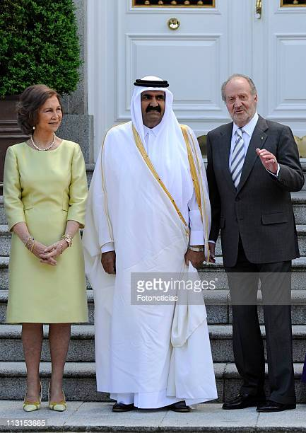 Queen Sofia of Spain and King Juan Carlos of Spain receive the Emir of the State of Qatar Sheikh Hamad bin Khalifa Al Thani at Zarzuela Palace on...