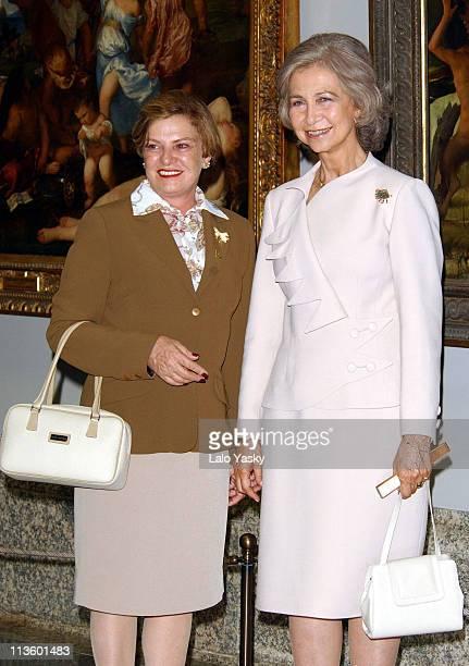 Queen Sofia of Spain and Mrs Marisa Letícia da Silva wife of Brazilian President Lula visit the Museo del Prado in Madrid
