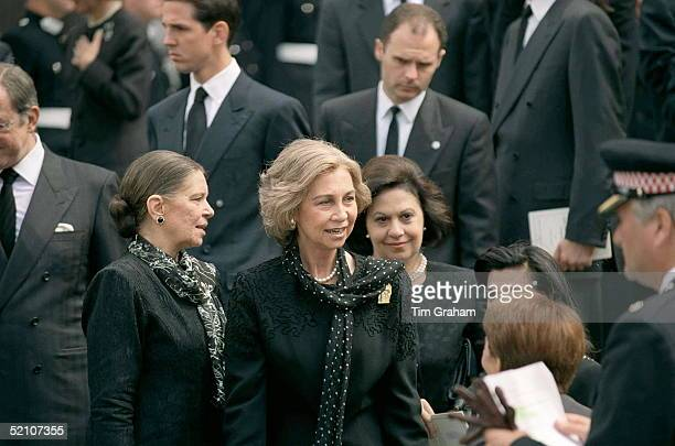 Queen Sofia Of Spain And Others Attending The Memorial Service For King Hussein Of Jordan At St Paul's Cathedral London