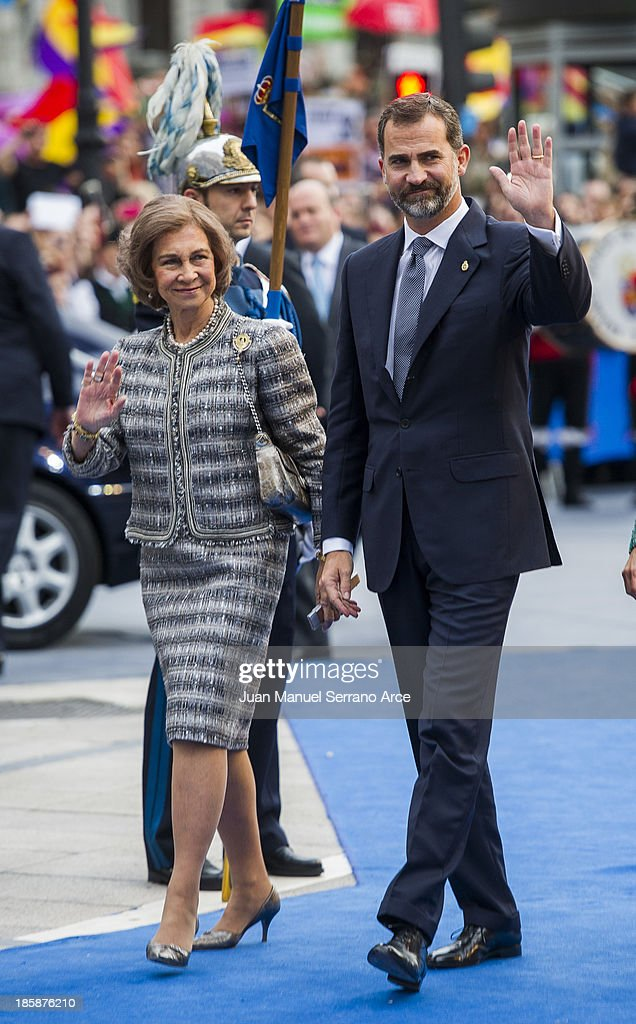 Queen Sofia of Spain (L) and Prince Felipe of Spain (C) attend the 'Prince of Asturias Awards 2013' ceremony at the Campoamor Theater on October 25, 2013 in Oviedo, Spain.