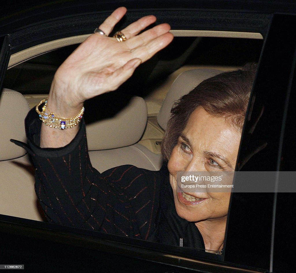 <a gi-track='captionPersonalityLinkClicked' href=/galleries/search?phrase=Queen+Sofia+of+Spain&family=editorial&specificpeople=160333 ng-click='$event.stopPropagation()'>Queen Sofia of Spain</a> attends a charity concert to raise funds for 'Proyecto Hombre Baleares' organised by Rotary Club Palma Ramon Llull on April 19, 2011 in Palma de Mallorca, Spain.