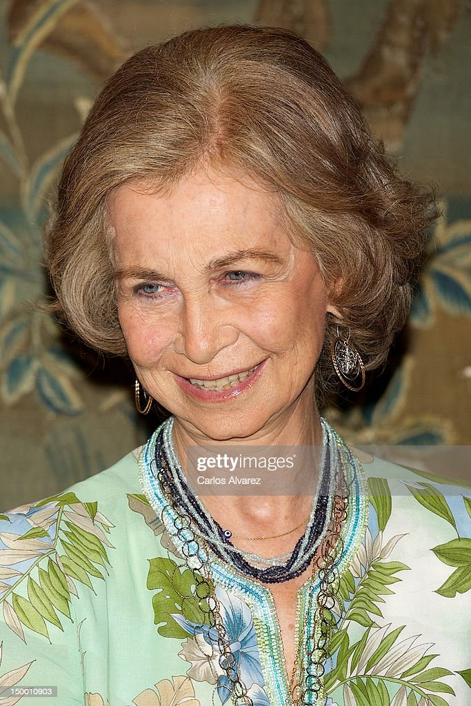 Queen Sofia of Spain attends an official dinner at Almudaina Palace on August 8, 2012 in Palma de Mallorca, Spain.