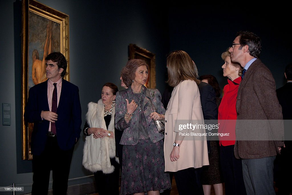 <a gi-track='captionPersonalityLinkClicked' href=/galleries/search?phrase=Queen+Sofia+of+Spain&family=editorial&specificpeople=160333 ng-click='$event.stopPropagation()'>Queen Sofia of Spain</a> (3L) attends 'El Joven Van Dyck' exhibition at the Prado Museum on November 19, 2012 in Madrid, Spain.