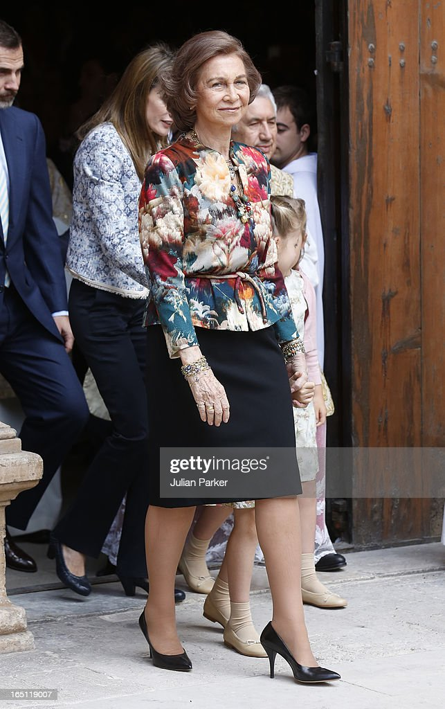 <a gi-track='captionPersonalityLinkClicked' href=/galleries/search?phrase=Queen+Sofia+of+Spain&family=editorial&specificpeople=160333 ng-click='$event.stopPropagation()'>Queen Sofia of Spain</a> attends the Easter Sunday Church Service, at Palma Cathedral on March 31, 2013 in Mallorca, Spain.
