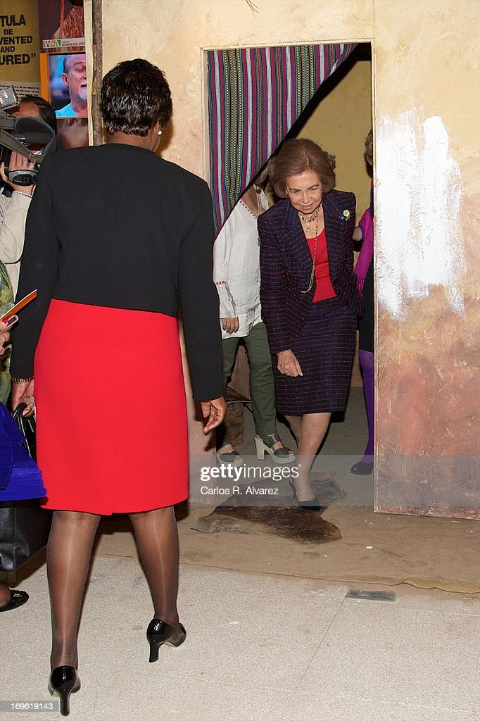 <a gi-track='captionPersonalityLinkClicked' href=/galleries/search?phrase=Queen+Sofia+of+Spain&family=editorial&specificpeople=160333 ng-click='$event.stopPropagation()'>Queen Sofia of Spain</a> (R) attends the 'Mujeres Por Africa' exhibition at the COAM on May 29, 2013 in Madrid, Spain.
