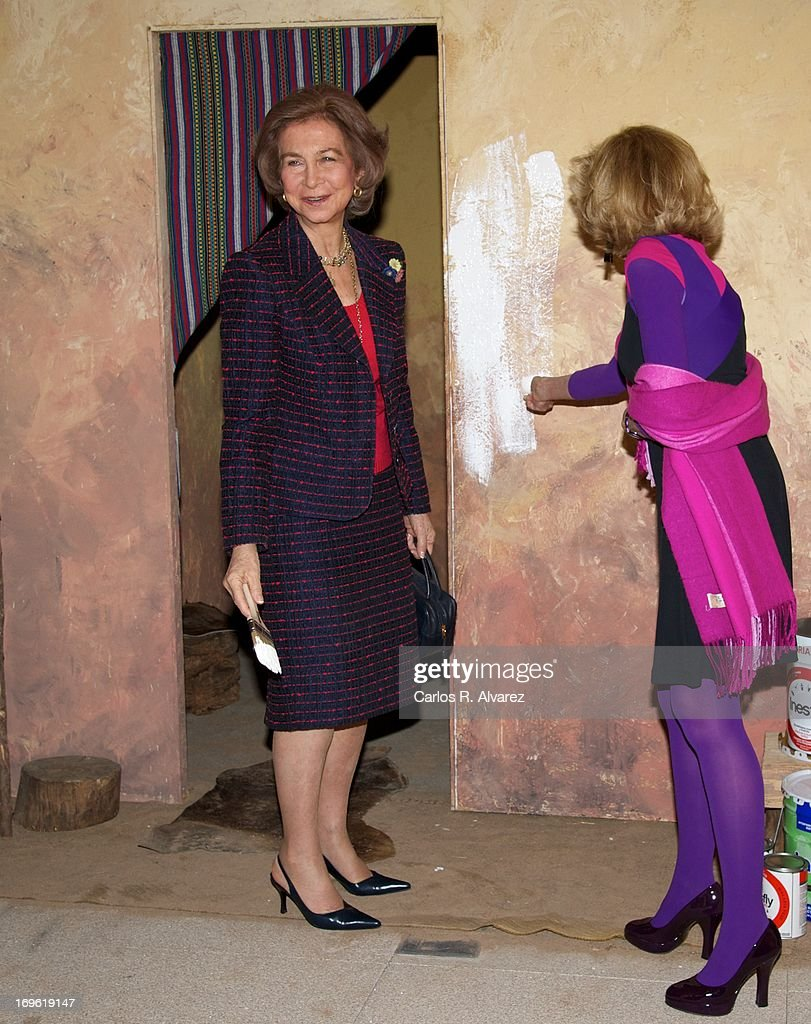 Queen Sofia of Spain (L) attends the 'Mujeres Por Africa' exhibition at the COAM on May 29, 2013 in Madrid, Spain.