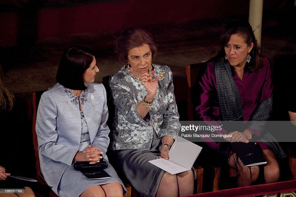 <a gi-track='captionPersonalityLinkClicked' href=/galleries/search?phrase=Queen+Sofia+of+Spain&family=editorial&specificpeople=160333 ng-click='$event.stopPropagation()'>Queen Sofia of Spain</a> (C) attends the opening ceremony of the the XXII Ibero-American Summit at Falla Theatre on November 16, 2012 in Cadiz, Spain. The 22nd Ibero-American Summit is Mariano Rajoy's first as President of Spain and will be attended by 16 Foreign Affairs ministers. The main issues of the meeting will be the economic crisis and how Latin American countries can contribute to the Eurozone recovery.