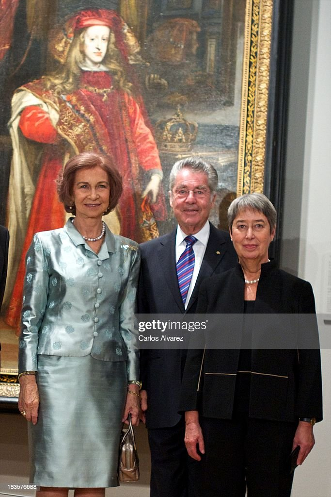 Queen Sofia of Spain (L), Austrian president <a gi-track='captionPersonalityLinkClicked' href=/galleries/search?phrase=Heinz+Fischer&family=editorial&specificpeople=537198 ng-click='$event.stopPropagation()'>Heinz Fischer</a> (C) and his wfe Margit Fischer (R) attend the inauguration of the 'Velazquez Y La Familia de Felipe IV' exhibition at the El Prado museum on October 7, 2013 in Madrid, Spain.