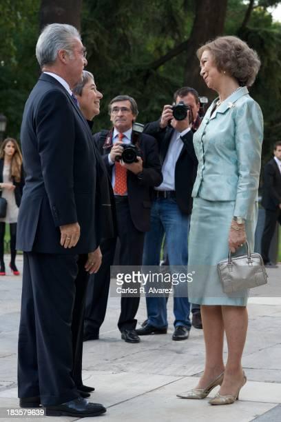 Queen Sofia of Spain Austrian President Heinz Fischer and his wfe Margit Fischer attend the inauguration of the 'Velazquez Y La Familia de Felipe IV'...