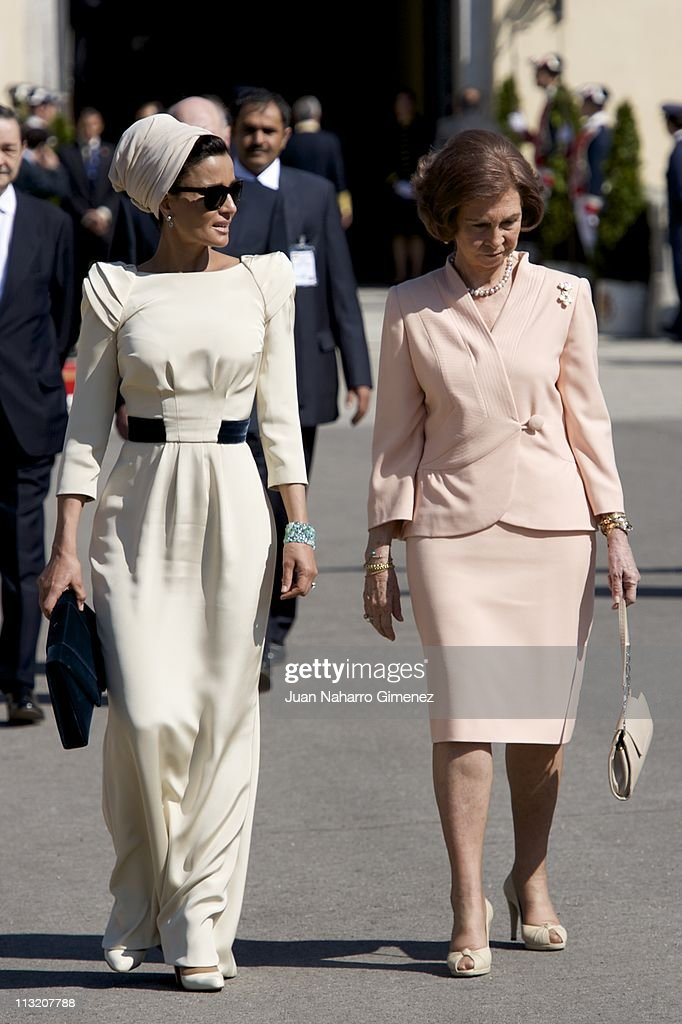 <a gi-track='captionPersonalityLinkClicked' href=/galleries/search?phrase=Queen+Sofia+of+Spain&family=editorial&specificpeople=160333 ng-click='$event.stopPropagation()'>Queen Sofia of Spain</a> (R) bids farewell to Sheikha Mozah Bint Nasser at El Pardo Palace on April 27, 2011 in Madrid, Spain.