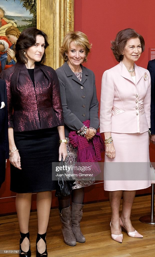 Queen Sofia of Spain Esperanza Aguirre and Angeles Gonzalez Sinde attend Hermitage at Prado Museum on November 7 2011 in Madrid Spain King Juan...