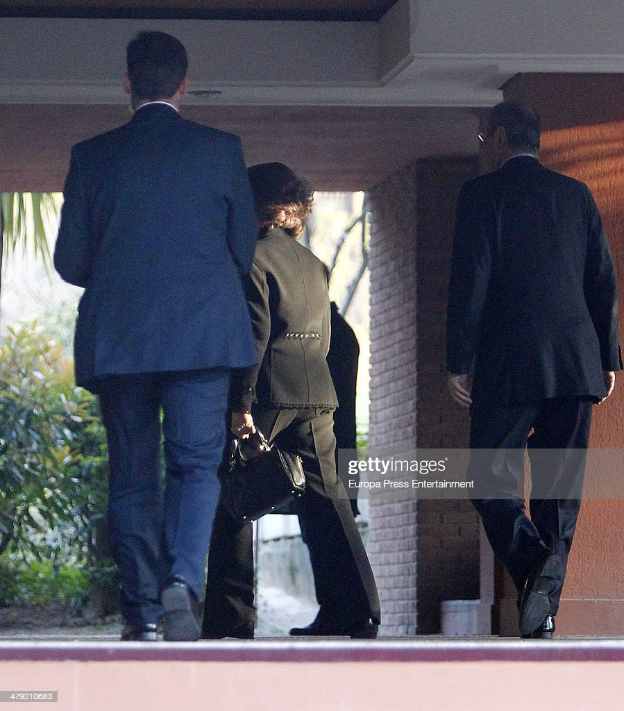 Queen Sofia of Spain expresses her condolences to Marichalar family on March 14 2014 in Madrid Spain Princess Elena of Spain's ex motherinlaw Count...