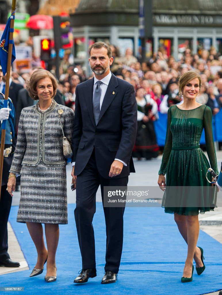 Queen Sofia of Spain (L), Prince Felipe of Spain (C) and Princess Letizia of Spain (R) attend the 'Prince of Asturias Awards 2013' ceremony at the Campoamor Theater on October 25, 2013 in Oviedo, Spain.