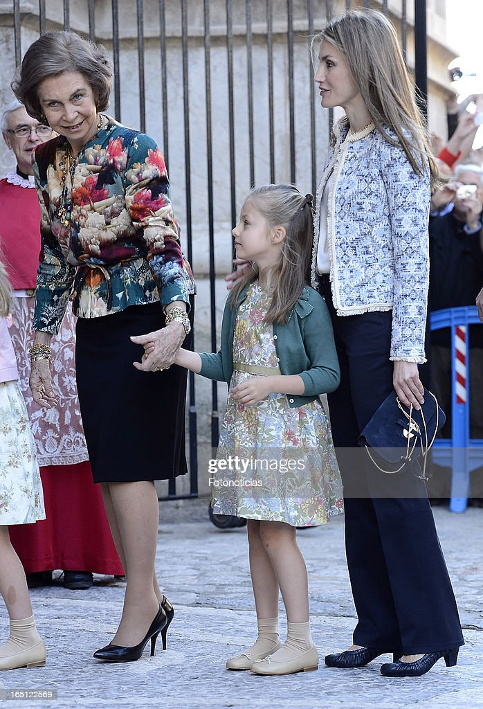 Queen Sofia of Spain, Princess Leonor of Spain and Princess Letizia of Spain attend Easter Mass at The Cathedral of Palma de Mallorca on March 31, 2013 in Palma de Mallorca, Spain.