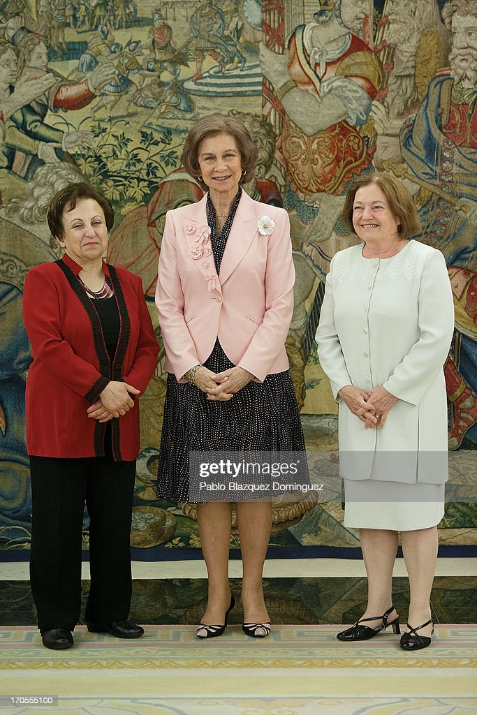 <a gi-track='captionPersonalityLinkClicked' href=/galleries/search?phrase=Queen+Sofia+of+Spain&family=editorial&specificpeople=160333 ng-click='$event.stopPropagation()'>Queen Sofia of Spain</a> (C) receives Nobel Peace Laureates <a gi-track='captionPersonalityLinkClicked' href=/galleries/search?phrase=Shirin+Ebadi&family=editorial&specificpeople=563922 ng-click='$event.stopPropagation()'>Shirin Ebadi</a> (L) and Mairead Maguire (R) at Zarzuela Palace on June 14, 2013 in Madrid, Spain.