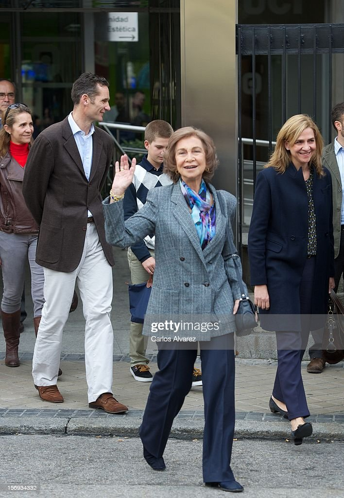 <a gi-track='captionPersonalityLinkClicked' href=/galleries/search?phrase=Queen+Sofia+of+Spain&family=editorial&specificpeople=160333 ng-click='$event.stopPropagation()'>Queen Sofia of Spain</a> (C) visits King Juan Carlos of Spain at USP San Jose Hospital on November 25, 2012 in Madrid, Spain. King Juan Carlos of Spain underwent an operation on his left hip.