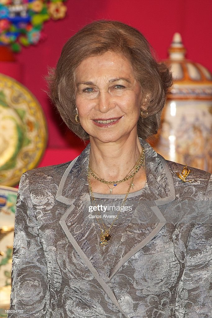 <a gi-track='captionPersonalityLinkClicked' href=/galleries/search?phrase=Queen+Sofia+of+Spain&family=editorial&specificpeople=160333 ng-click='$event.stopPropagation()'>Queen Sofia of Spain</a> visits the 'Grandes Maestros del Arte Popular de Iberoamerica' exhibition at the Fernan Gomez Teather on April 2, 2013 in Madrid, Spain.
