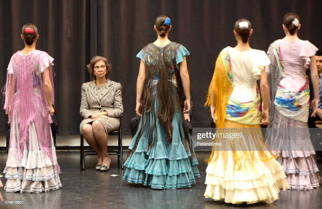 Queen Sofia of Spain (L) visits the Spanish National Ballet and National Dance Company on February 24, 2014 in Madrid, Spain.