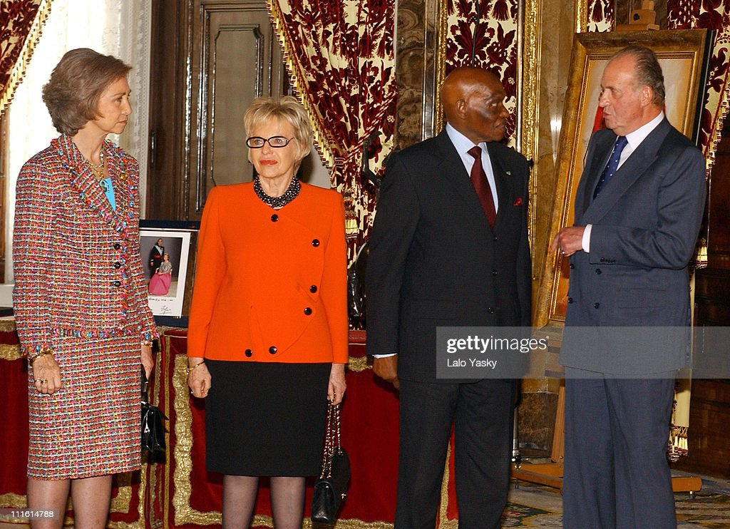 Queen Sofia, Senegalese President Abdoulaye Wade with wife Viviane and King Juan Carlos