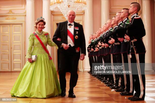 Queen Sonja and King Harald of Norway arrive for a gala dinner at the Royal Palace in Oslo Norway on May 9 2017 to mark the 80th Birthday of the King...