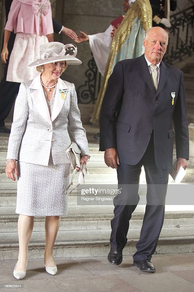 <a gi-track='captionPersonalityLinkClicked' href=/galleries/search?phrase=Queen+Sonja+of+Norway&family=editorial&specificpeople=160334 ng-click='$event.stopPropagation()'>Queen Sonja of Norway</a> and King Harald V of Norway attend Te Deum Thanksgiving Service To Celebrate King Carl Gustaf's 40th Jubilee at The Royal Palace on September 15, 2013 in Stockholm, Sweden.