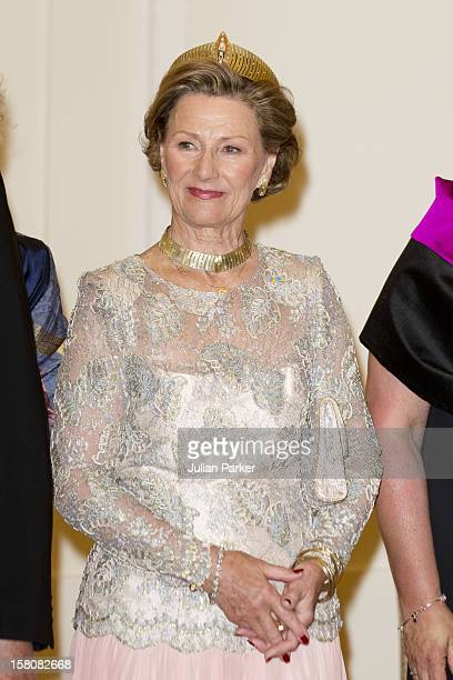 Queen Sonja Of Norway Attending An Official Dinner Held At The Presidential Palace In Warsaw Poland