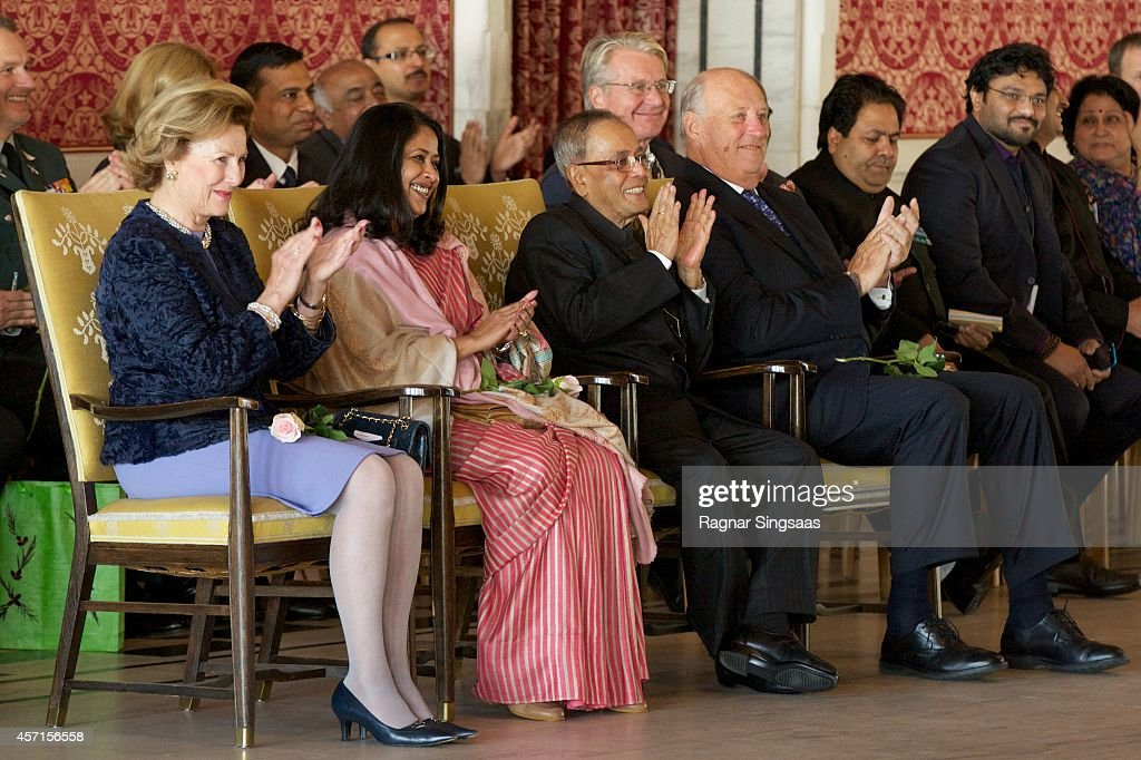 <a gi-track='captionPersonalityLinkClicked' href=/galleries/search?phrase=Queen+Sonja+of+Norway&family=editorial&specificpeople=160334 ng-click='$event.stopPropagation()'>Queen Sonja of Norway</a>, daughter of the President of India Sharmistha Mukherjee, the President of India <a gi-track='captionPersonalityLinkClicked' href=/galleries/search?phrase=Pranab+Mukherjee&family=editorial&specificpeople=565924 ng-click='$event.stopPropagation()'>Pranab Mukherjee</a> and King Harald V of Norway attend a guided tour at the Oslo City Hall during the first day of the state visit from India on October 13, 2014 in Oslo, Norway.