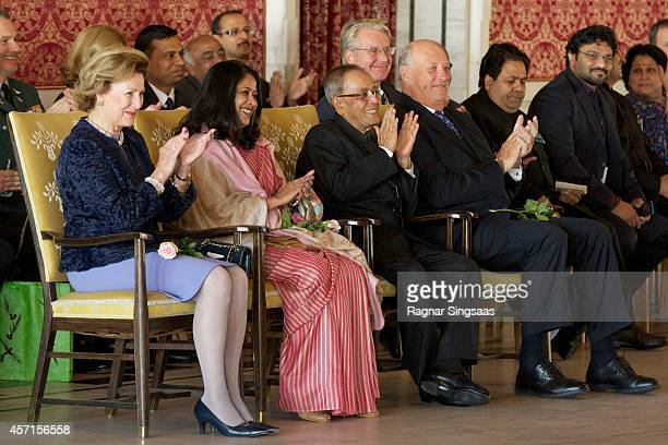 Queen Sonja of Norway daughter of the President of India Sharmistha Mukherjee the President of India Pranab Mukherjee and King Harald V of Norway...