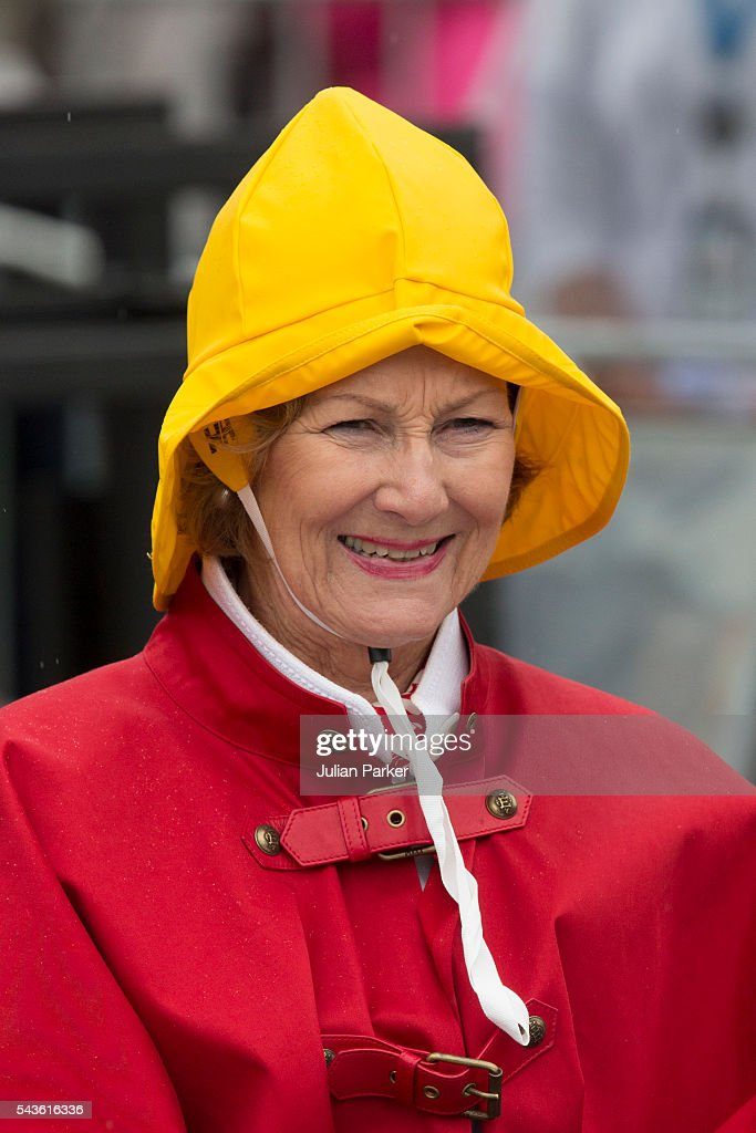 <a gi-track='captionPersonalityLinkClicked' href=/galleries/search?phrase=Queen+Sonja+of+Norway&family=editorial&specificpeople=160334 ng-click='$event.stopPropagation()'>Queen Sonja of Norway</a>, on a visit to Kristiansand, during the King and Queen of Norway's Silver Jubilee Tour, on June 29, 2016 in Kristiansand, Norway.