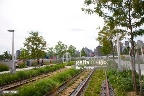 Queens train tracks, East River & Manhattan