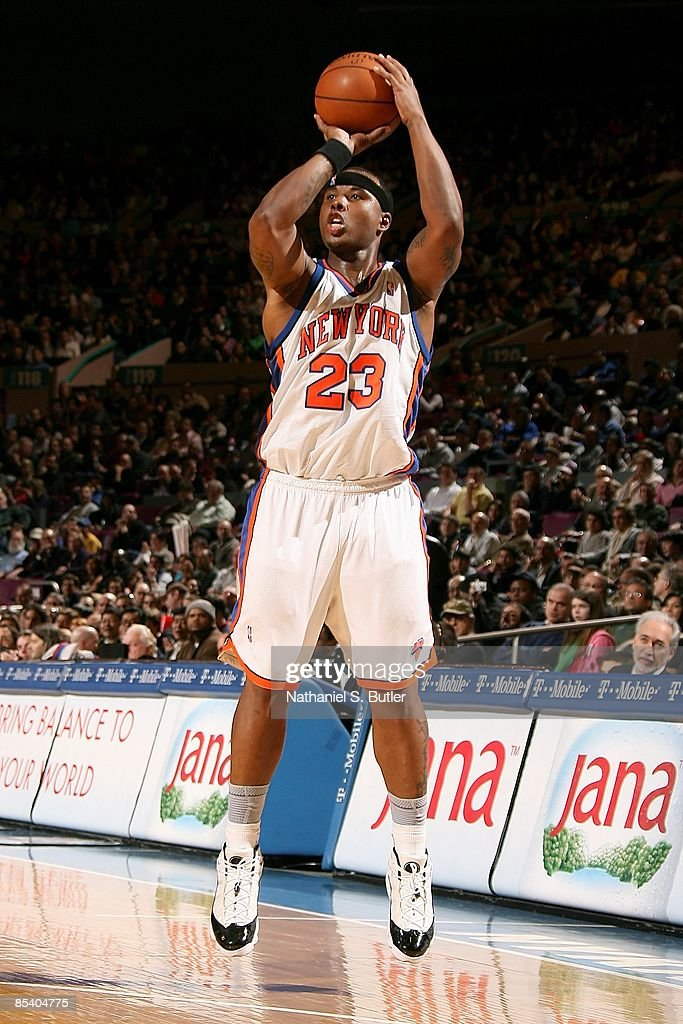 Quentin Richardson #23 of the New York Knicks shoots a jumper during the game against the San Antonio Spurs on February 17, 2009 at Madison Square Garden in New York City. The Knicks won 112-107.