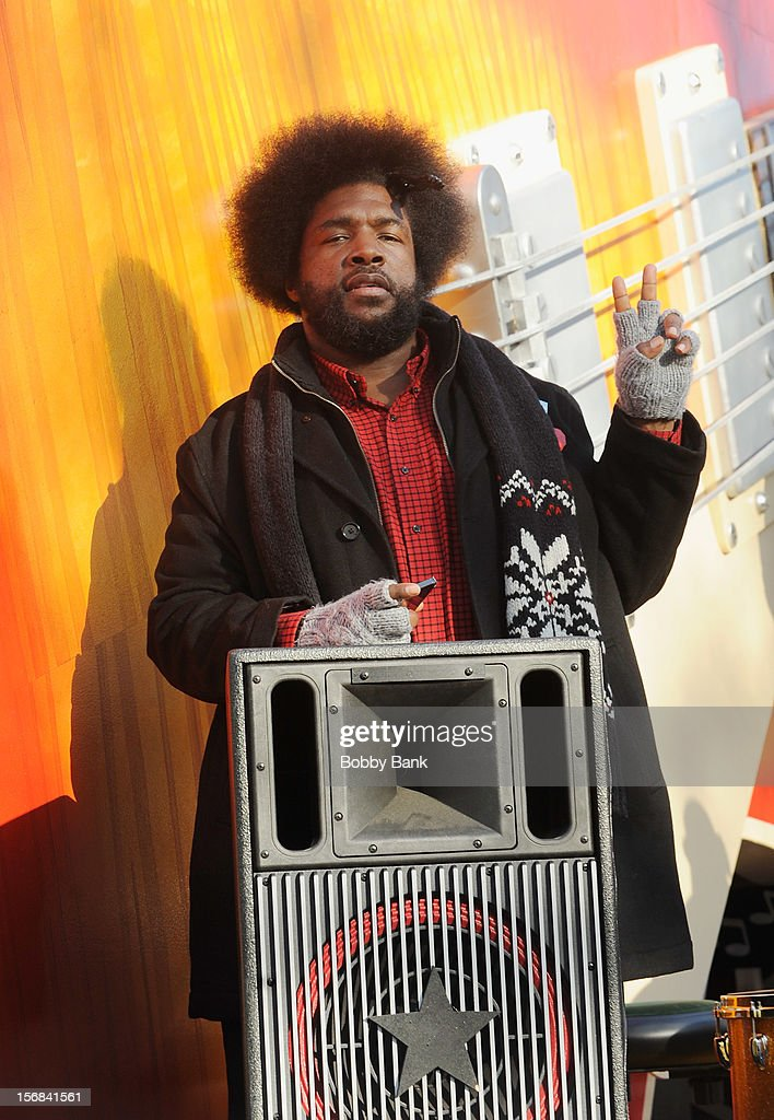 <a gi-track='captionPersonalityLinkClicked' href=/galleries/search?phrase=Questlove&family=editorial&specificpeople=537550 ng-click='$event.stopPropagation()'>Questlove</a> of The Roots attends the 86th Annual Macy's Thanksgiving Day Parade on November 22, 2012 in New York City.