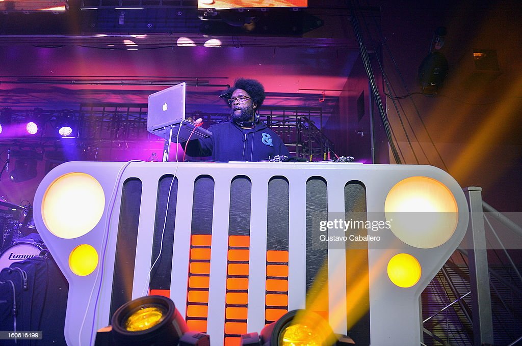 <a gi-track='captionPersonalityLinkClicked' href=/galleries/search?phrase=Questlove&family=editorial&specificpeople=537550 ng-click='$event.stopPropagation()'>Questlove</a> performs at the Rolling Stone Hosted Jeep Heroes Tailgate on February 3, 2013 in New Orleans, Louisiana.