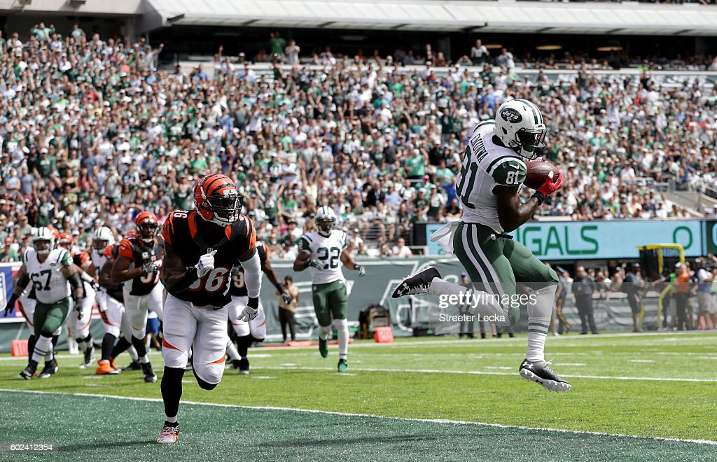 Quincy Enunwa #81 of the New York Jets catches the ball during their game at MetLife Stadium on September 11, 2016 in East Rutherford, New Jersey.