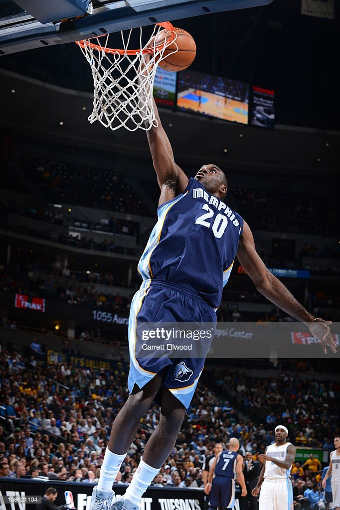 <a gi-track='captionPersonalityLinkClicked' href=/galleries/search?phrase=Quincy+Pondexter&family=editorial&specificpeople=4176540 ng-click='$event.stopPropagation()'>Quincy Pondexter</a> #20 of the Memphis Grizzlies drives to the basket against the Denver Nuggets on December 14, 2012 at the Pepsi Center in Denver, Colorado.