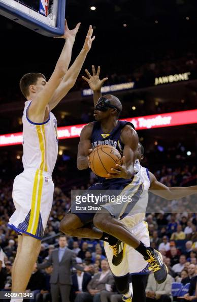 Quincy Pondexter of the Memphis Grizzlies goes up for a shot against the Golden State Warriors at ORACLE Arena on November 20 2013 in Oakland...