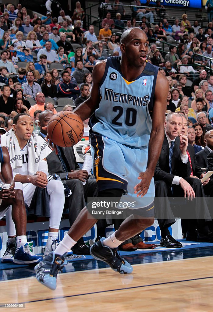 <a gi-track='captionPersonalityLinkClicked' href=/galleries/search?phrase=Quincy+Pondexter&family=editorial&specificpeople=4176540 ng-click='$event.stopPropagation()'>Quincy Pondexter</a> #20 of the Memphis Grizzlies looks to drive to the basket against the Dallas Mavericks on April 15, 2013 at the American Airlines Center in Dallas, Texas.