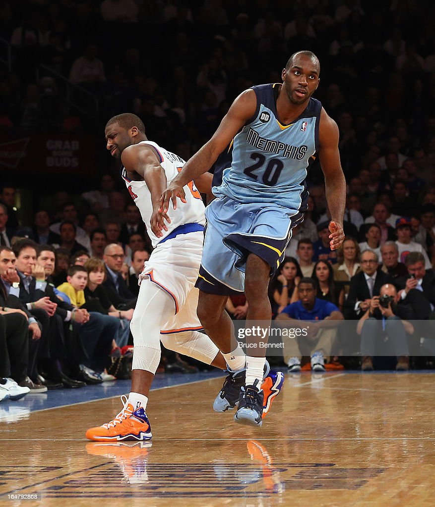 <a gi-track='captionPersonalityLinkClicked' href=/galleries/search?phrase=Quincy+Pondexter&family=editorial&specificpeople=4176540 ng-click='$event.stopPropagation()'>Quincy Pondexter</a> #20 of the Memphis Grizzlies plays against the New York Knicks at Madison Square Garden on March 27, 2013 in New York City. The Knicks defeated the Grizzlies 108-101.